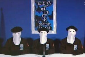 Dudas en España y el mundo por la disolución de ETA